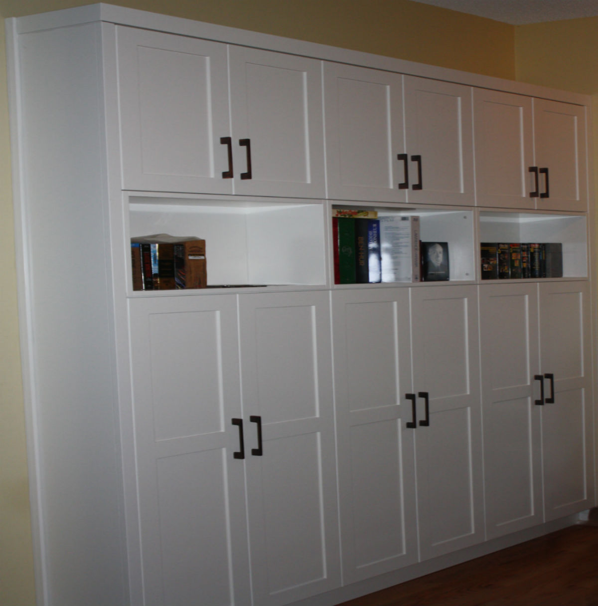 Buil-in Storage Shelving