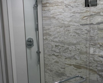 Bathroom Glass Shower Rainhead