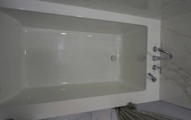 Custom Quartz Tub