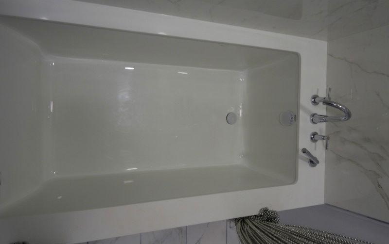 Custom Quartz Tub