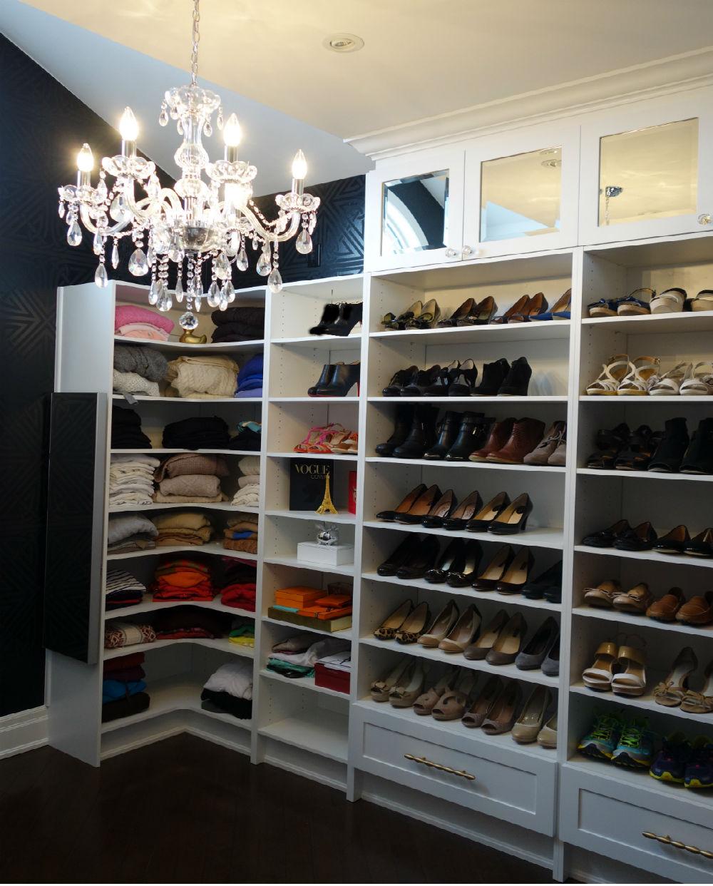 Nice Walkin Closet
