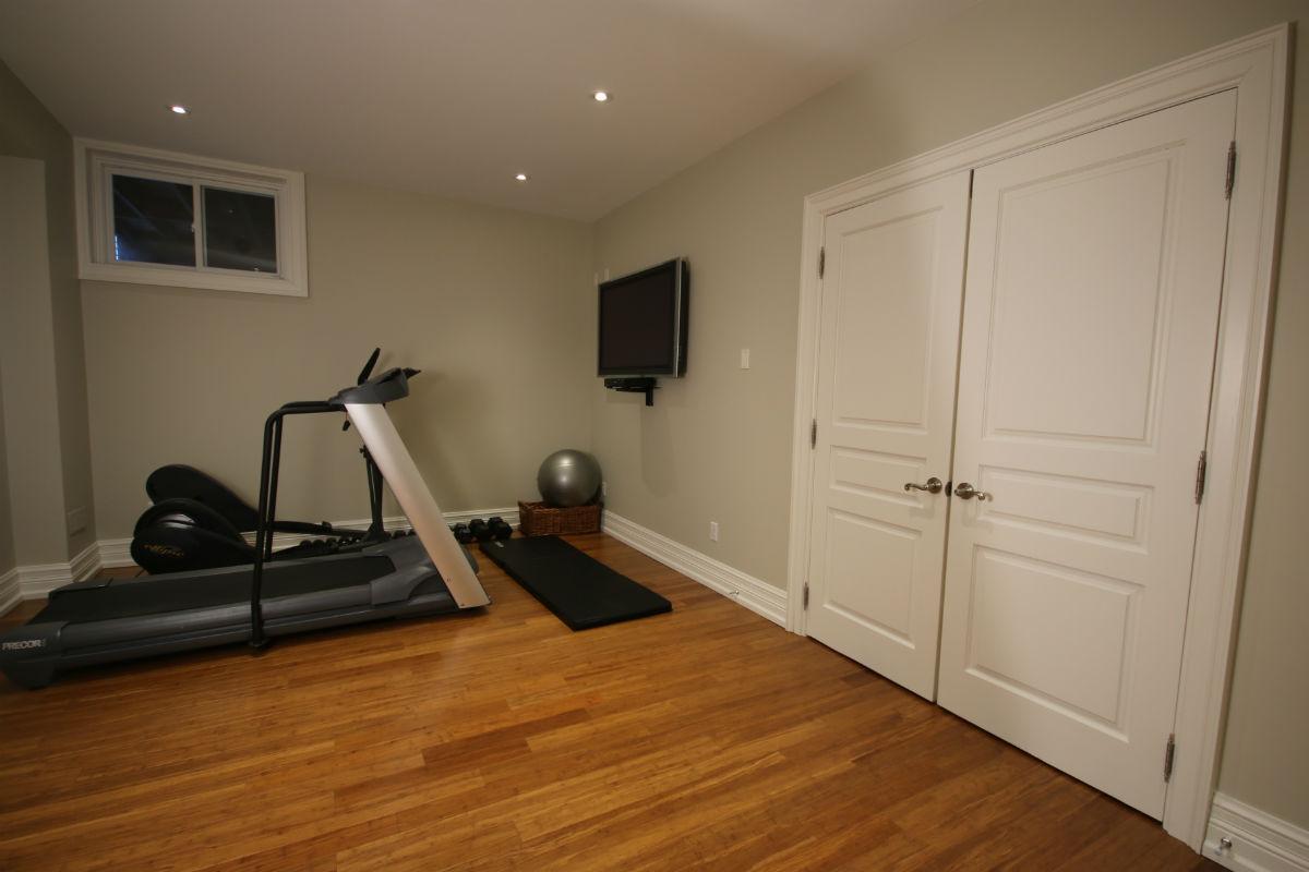 Basement workout gym toronto custom concepts kitchens for Basement workout room
