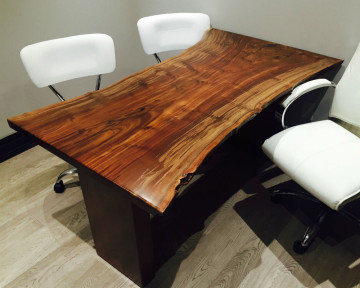 Toronto Claro Walnut Desk