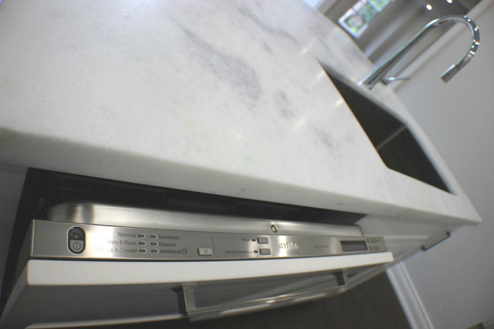 Toronto Kitchen Dishwasher