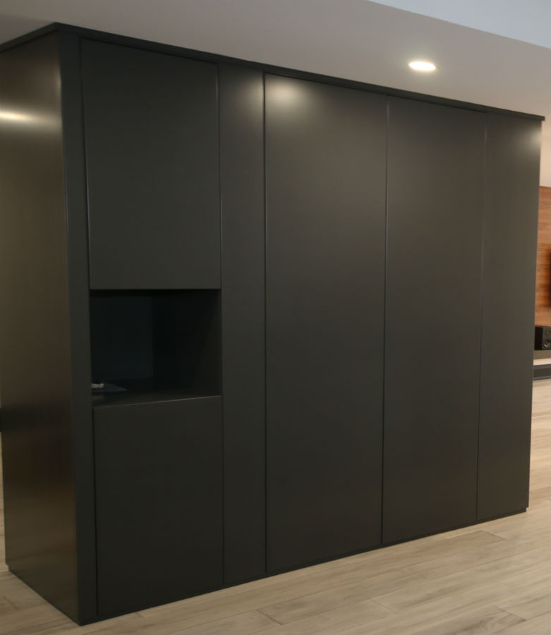 Toronto Closet Modern