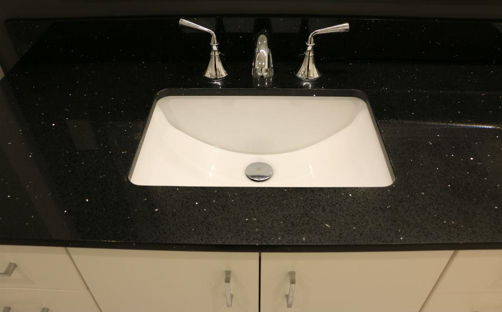 Oakville Condo Bathroom Quartz