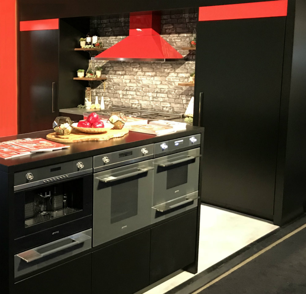 Toronto Custom Concepts Kitchen Red Design